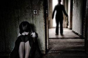Bắt tạm giam thêm 2 đối tượng giao cấu dâm ô nữ sinh Thái Bình