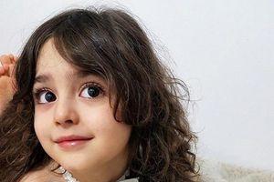 Con gái xinh đẹp được cả thế giới ca tụng nhưng bố mẹ luôn nơm nớp lo sợ, phải làm ngay 1 việc