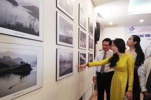 Triển lãm ảnh nghệ thuật chào mừng ngày phụ nữ Việt Nam