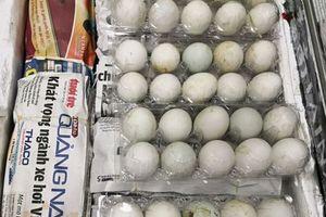 Cụ bà U70 bị phạt hơn 110 triệu vì mang trái phép 490 quả trứng vịt lộn vào Singapore
