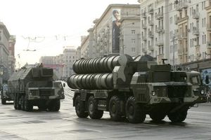 Nga chuyển giao S-300 cho Syria: Mỹ chỉ trích, Israel nói sẽ tiếp tục không kích