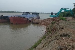 Hà Nội chuẩn bị kiểm tra hoạt động bãi chứa trung chuyển vật liệu xây dựng ven sông
