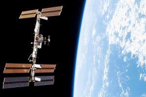 Nga - Mỹ cùng khẳng định lỗ hổng trên ISS không phải là lỗi sản xuất