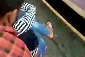 Clip: Ngã khỏi đoàn tàu đang chạy, thiếu nữ thoát chết thần kỳ