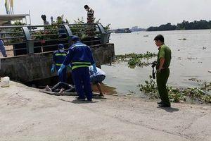 Đi đánh cá, tá hỏa phát hiện thi thể thanh niên trôi sông Sài Gòn