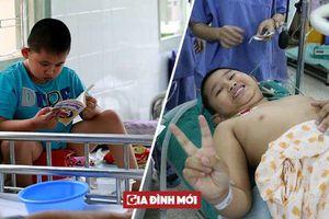 Cậu bé 11 tuổi phải ngồi bô cả ngày trong 9 năm vì không có hậu môn, dị tật cơ quan sinh dục