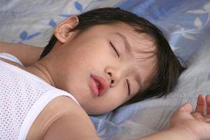Trẻ bị cảm lạnh: Nguyên nhân, dấu hiệu và phòng bệnh đúng cách