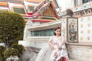 Ca sĩ Phi Nhung khoe vẻ đẹp không tuổi