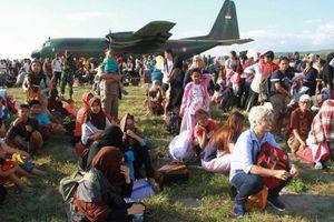 Hoạt động cứu trợ quốc tế đang diễn ra hết sức khẩn trương tại Indonesia