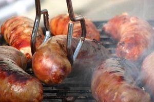 Ăn nhiều xúc xích, thịt chế biến sẵn, cẩn thận 'án tử' ung thư trực chờ