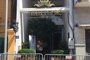 Cháy thẩm mỹ viện, nhiều người mắc kẹt trong ngôi nhà 5 tầng ở Hà Nội