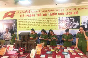 Trưng bày 500 cuốn sách, báo về 'Giải phóng Thủ đô - Mốc son lịch sử'