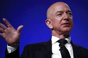 Tỷ phú Jeff Bezos: 'Muốn làm được cái mới phải biết cách đối mặt với những lời chỉ trích'