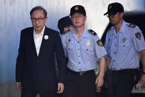 Cựu TT Hàn Quốc Lee Myung Bak bị tuyên án 15 năm tù vì tham nhũng