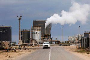 Giá dầu mất gần 3% sau tin Nga - Ả Rập Saudi thỏa thuận tăng sản lượng