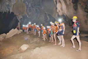 Khám phá du lịch Quảng Bình: Hang Tối hút khách mùa đông