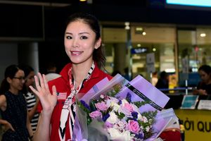 Hoa hậu Hoàn vũ 2007 Riyo Mori rạng rỡ đến Việt Nam