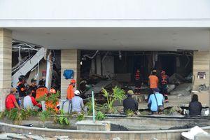 Từ hiện trường thảm họa động đất - sóng thần Indonesia: Có thể còn người sống sót