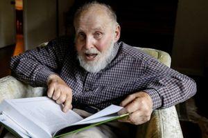 Ai là người lớn tuổi nhất từng nhận giải Nobel?