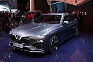 Cận cảnh LUX A2.0 - mẫu sedan đầu tiên của Vinfast
