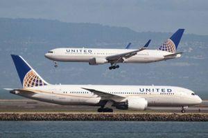 Máy bay Mỹ gần cạn nhiên liệu, 239 hành khách hạ cánh an toàn