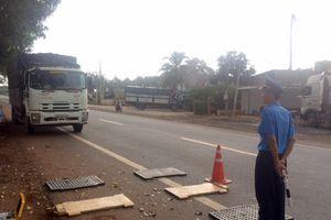 Thanh tra giao thông Cục IV đột xuất kiểm tra xử phạt xe quá tải