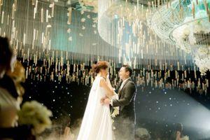 Nhìn lại những khoảnh khắc tình tứ của vợ chồng Lan Khuê trong lễ cưới