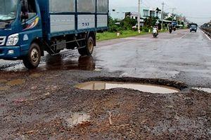 Nhiều cung đoạn trên Quốc lộ 1A qua Bình Định nát bét