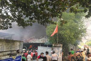 Cháy dữ dội tại xưởng đan ghế xuất khẩu