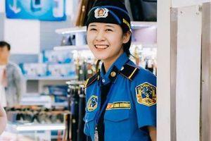 Nữ bảo vệ xinh đẹp ở Nghệ An sợ hãi khi bị đăng ảnh lên mạng