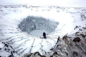 Những chiếc hố khổng lồ bí ẩn ở Siberia