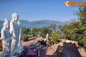 Đẹp mê mẩn tịnh xá Phật giáo bên bờ vịnh Nha Trang