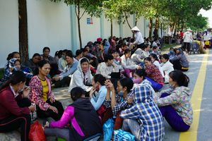 Hàng ngàn công nhân ở Thanh Hóa đồng loạt ngừng việc đòi tăng lương