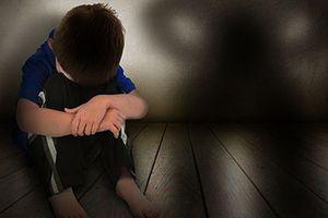 Người đàn ông ngoại quốc nhiều lần quan hệ đồng tính với bé trai 14 tuổi