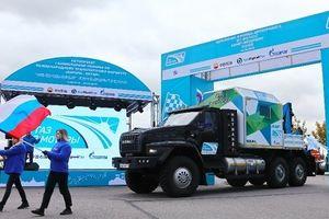 Diễu hành các loại xe có động cơ chạy bằng LNG