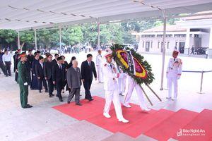 Đoàn đại biểu tỉnh Nghệ An viếng nguyên Tổng Bí thư Đỗ Mười