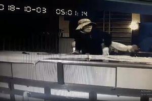 Truy tìm 2 đối tượng trộm 100 lượng vàng lúc rạng sáng