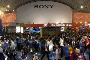 Hãng Sony trình giới yêu công nghệ Hà Nội loạt tivi, máy ảnh, smartphone mới nhất