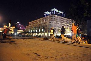UBND Q.1 xử lý dứt điểm tình trạng gây mất mỹ quan đô thị tại phố đi bộ Nguyễn Huệ