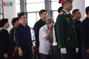 Các tầng lớp nhân dân xúc động viếng nguyên Tổng Bí thư Đỗ Mười