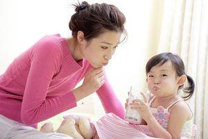 Trẻ bị tiêu chảy có nên uống sữa?