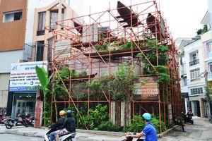 Quán cà phê giàn giáo kỳ lạ ở Sài Gòn