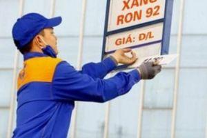 Giá xăng liên tục tăng, người dân lo gánh nặng chi phí
