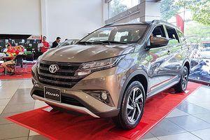 Mua Toyota Rush, khách Việt mất thêm hơn 50 triệu tiền phụ kiện
