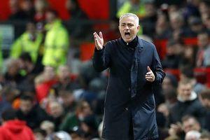 HLV Mourinho ám chỉ nội bộ M.U có 'tay trong' tung tin cho báo chí