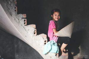 Những đứa trẻ khắp Việt Nam: Uyên và chiếc nón lá