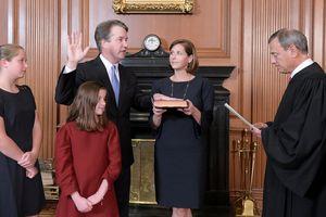 Ông Kavanaugh làm thẩm phán Tòa án tối cao Mỹ