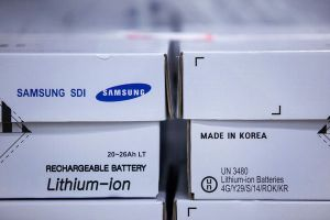 Thế giới đang thiếu lượng pin cần thiết