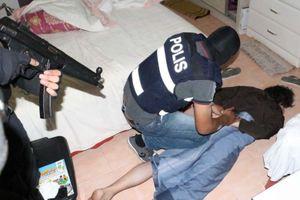 Malaysia bắt 8 nghi phạm khủng bố