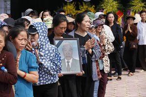 Những hình ảnh xúc động tại lễ an táng nguyên Tổng bí thư Đỗ Mười